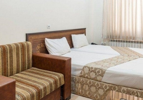 تور ریلی مشهد حرکت از اصفهان، ویژه ایام خرداد ماه با اقامت 3 روزه در هتل آپارتمان ایوان با قیمت مناسب