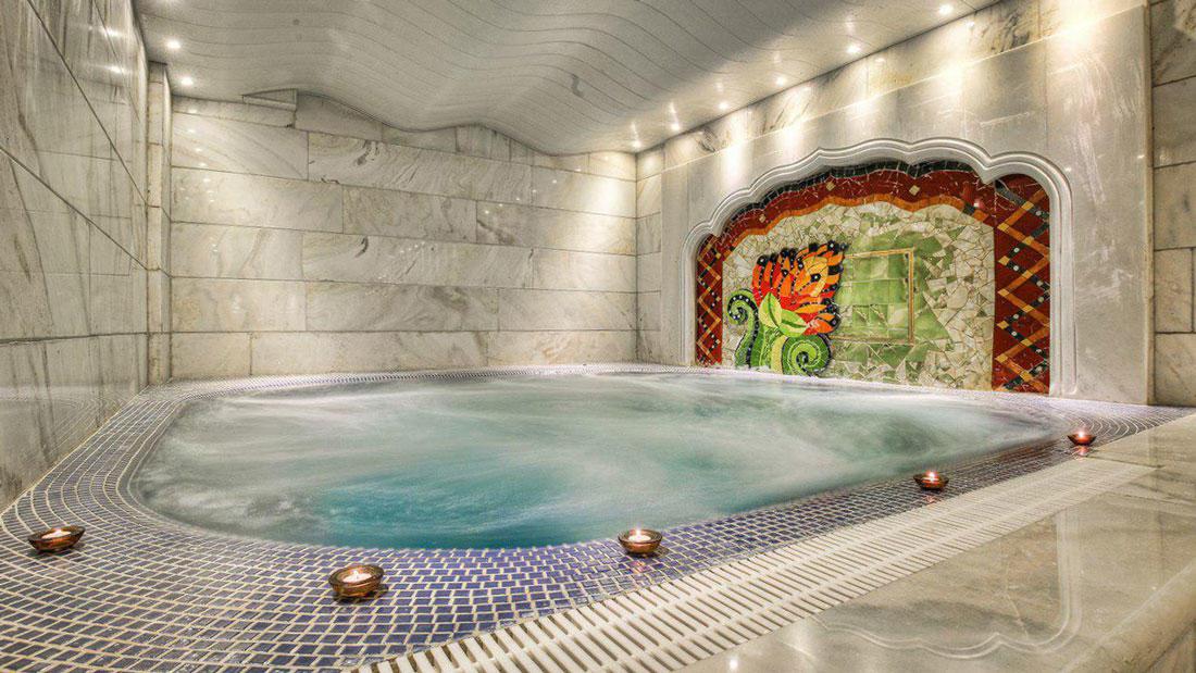 استخر هتل کیانا مشهد