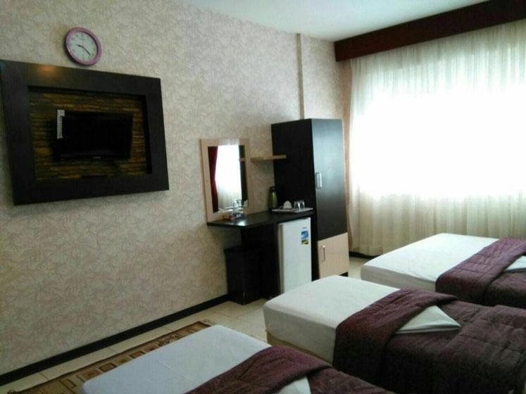 تور ارزان از اصفهان به مشهد ، با اقامت در هتل رنگین کمان با قیمت بسیار مناسب برای 4 روز